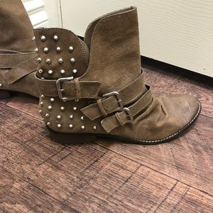 Dolce Vita silver studded motet cycle boots BNWT